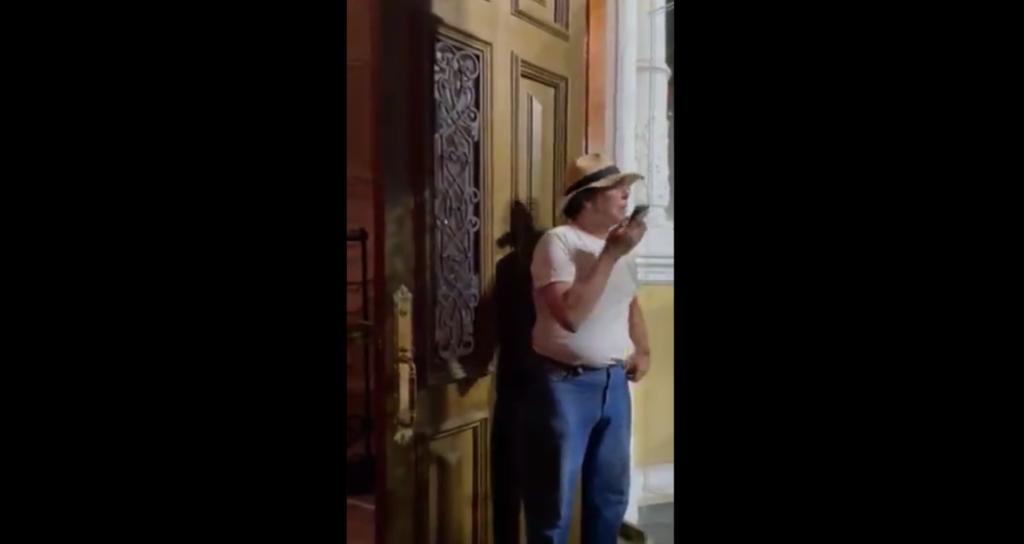 En Yucatán el dueño del hotel LordHobby Mansión Mérida estalló en cólera contra los huéspedes