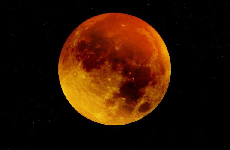 Un eclipse y dos lluvias de estrellas: Estos son los increíbles fenómenos astronómicos de octubre