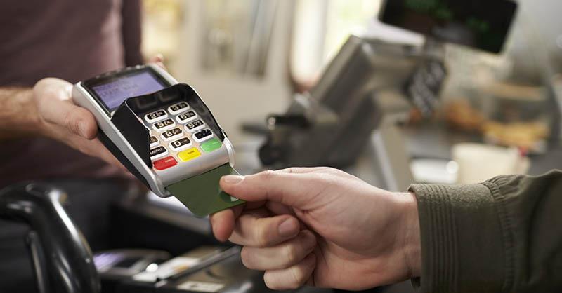 Prácticamente todas las personas que tenemos o hemos tenido una tarjeta de crédito sabemos de la existencia del pago mínimo
