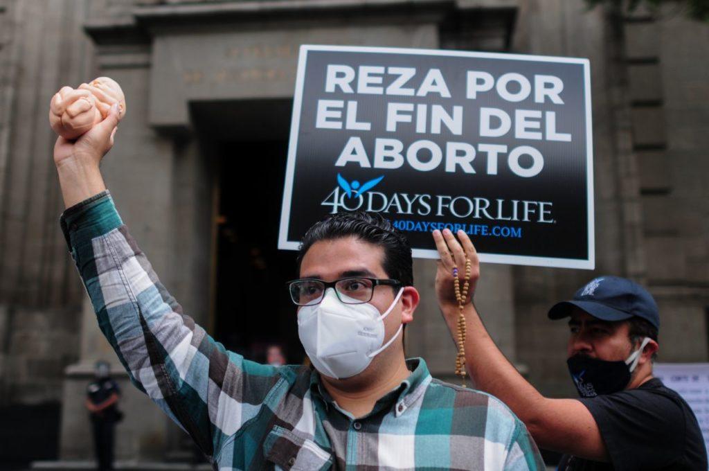 SCJN avala objeción de conciencia; personal médico puede negarse a practicar aborto