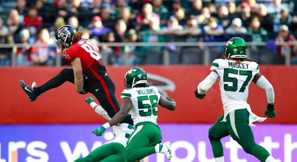 Los Falcons volaron alto en Londres; Matt Ryan lanzó pases de anotación