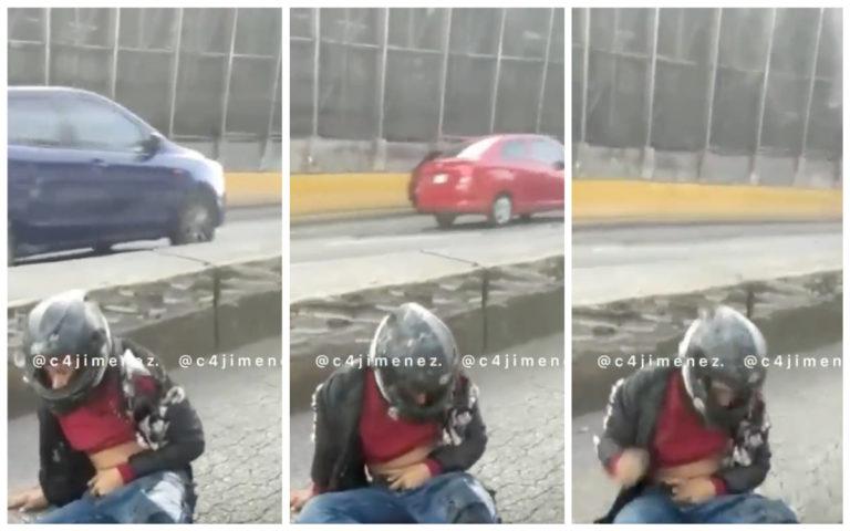 """""""Ahí viene la tira, güey"""", difunden video de presunto atacante en AICM antes de morir"""