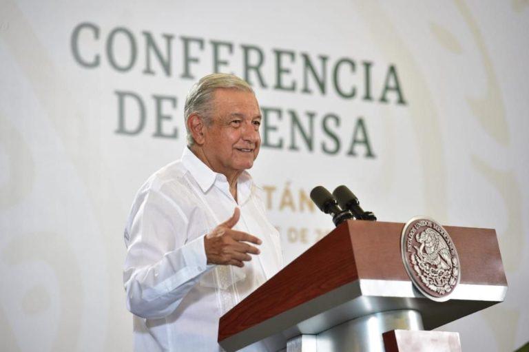 AMLO rechaza paro en la UNAM por sus críticas; pide que mejor marchen pacíficamente
