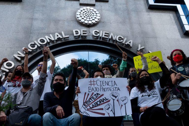 """Aparece la CNDH y condena """"persecución mediática y ministerial"""" de FGR contra científicos"""
