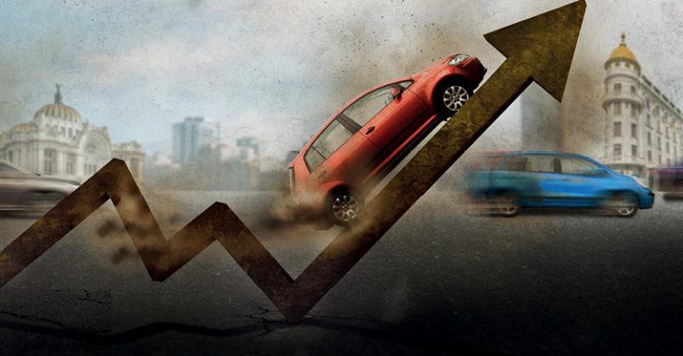 De 2018 a 2020, la cantidad de vehículos emplacados en la capital del país se redujo más de la mitad