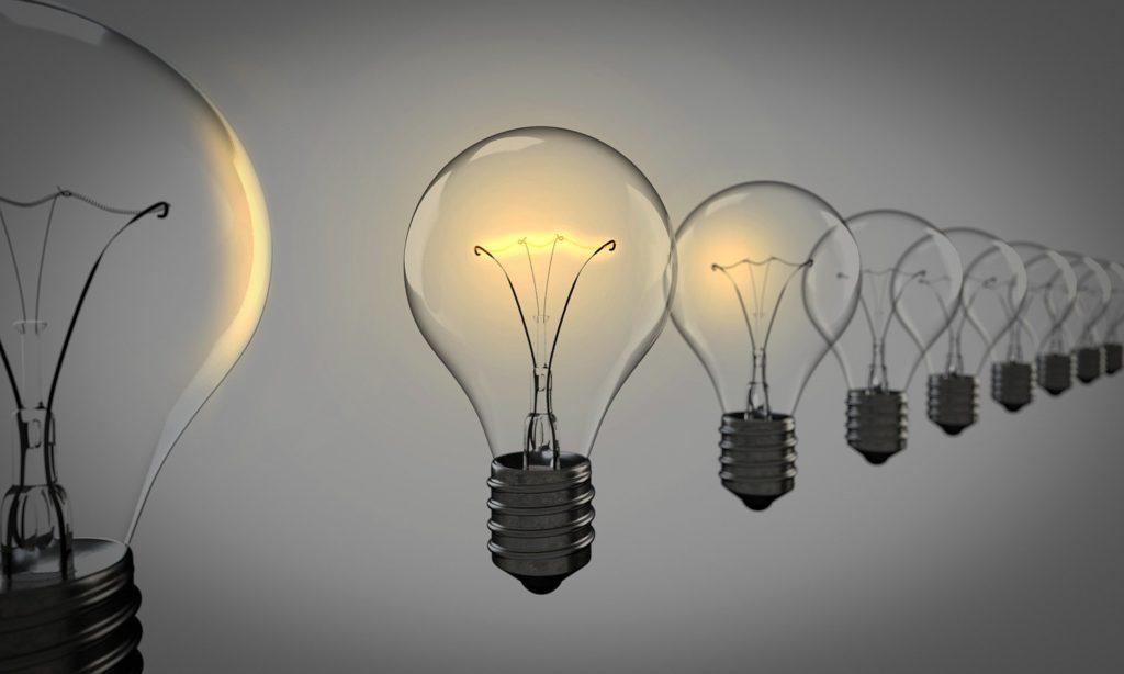 Expertos reprueban reforma eléctrica de AMLO; advierten daños al ambiente y economía