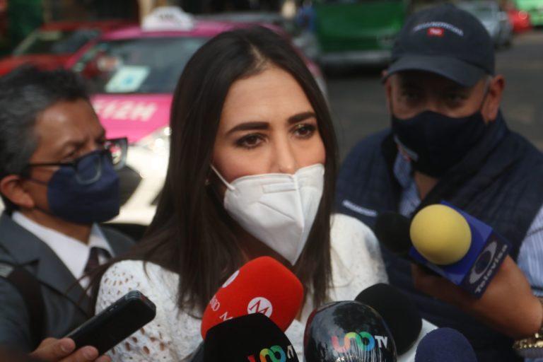 Hija de Rosario Robles exige piso parejo para su madre; espera sea puesta en libertad