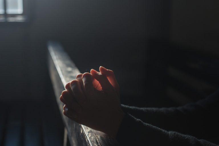 Iglesia católica de Francia ha abusado sexualmente de 330 mil menores durante 70 años