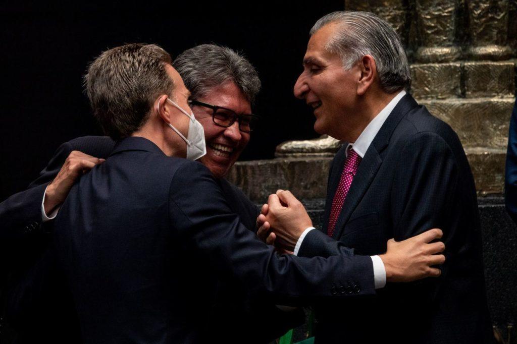 Monreal adelanta que puede modificar reforma eléctrica de AMLO para convencer a oposición