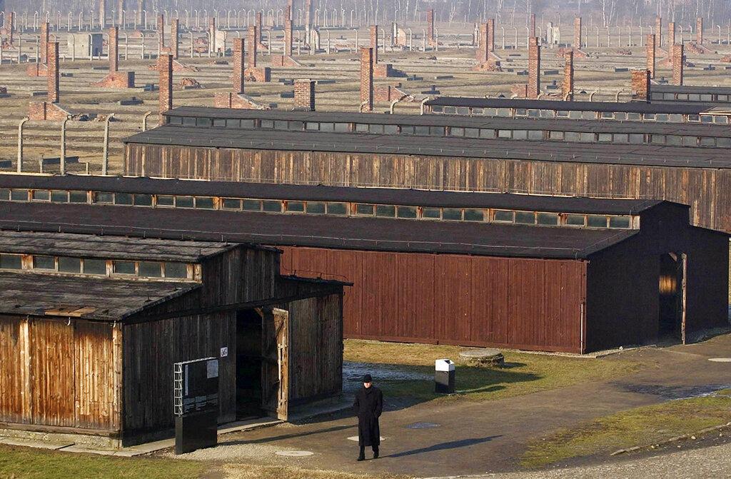 Nazi de 100 años es juzgado en Alemania por sus 3 mil 518 cargos de cómplice asesinato