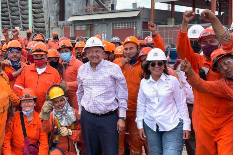 Pese a protestas, Nahle y AMLO presumen que obras en refinería de Dos Bocas continúan