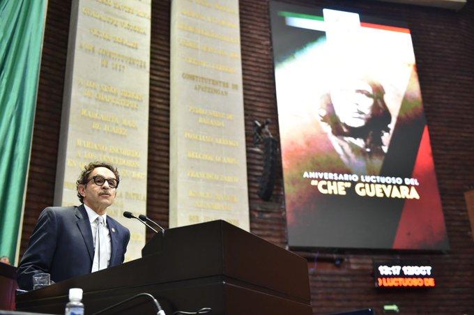 """Quadri revienta contra """"Che"""" Guevara por ser una """"fría máquina de matar""""; Morena lo defiende"""